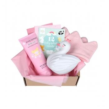 gbgimm10-lr-2_baby_gift_box_girl_m.jpg